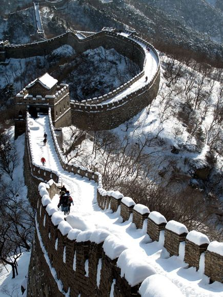 great wall of china covered in snow